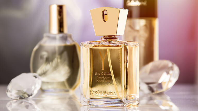 写真:イヴサンローランの香水